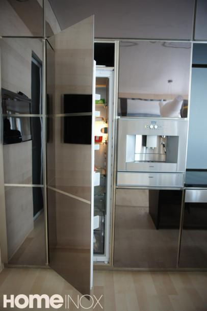 cuisine inox cr ation de cuisine inox miroir. Black Bedroom Furniture Sets. Home Design Ideas